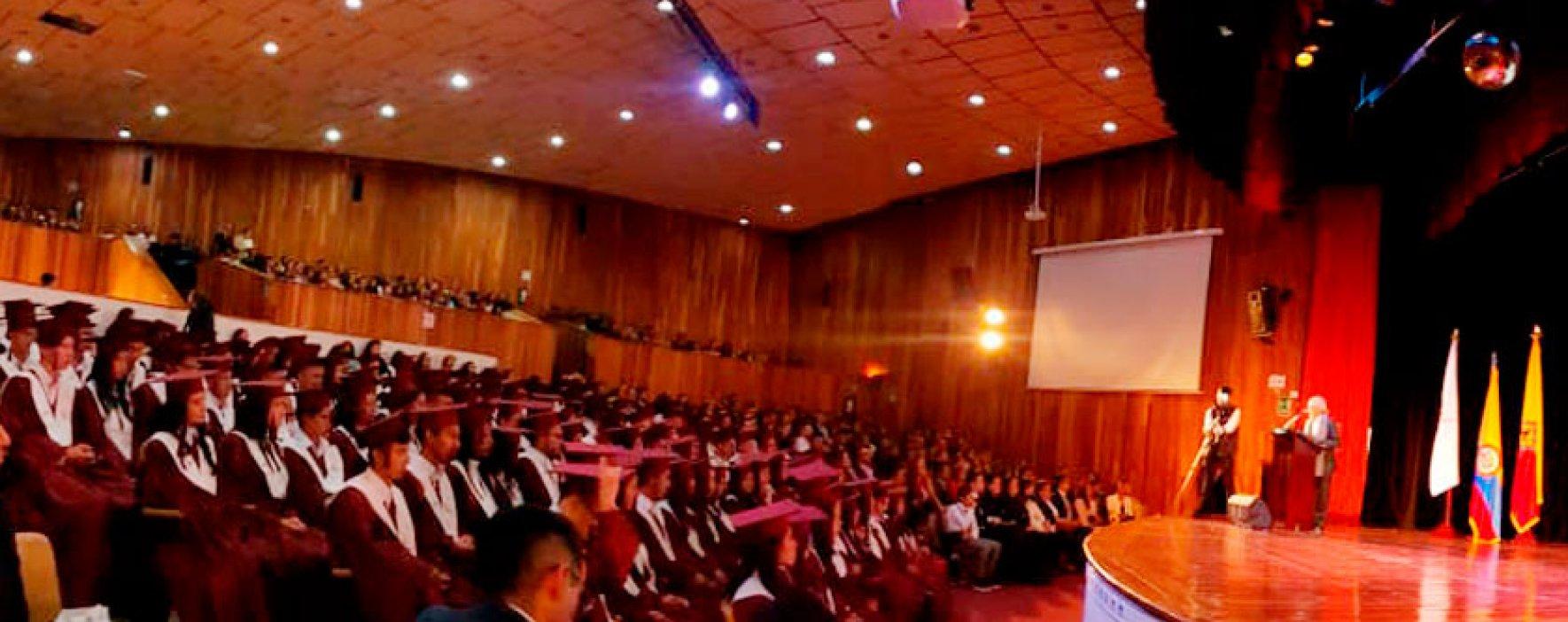 118 bachilleres graduados de la I.E. Compartir Suba