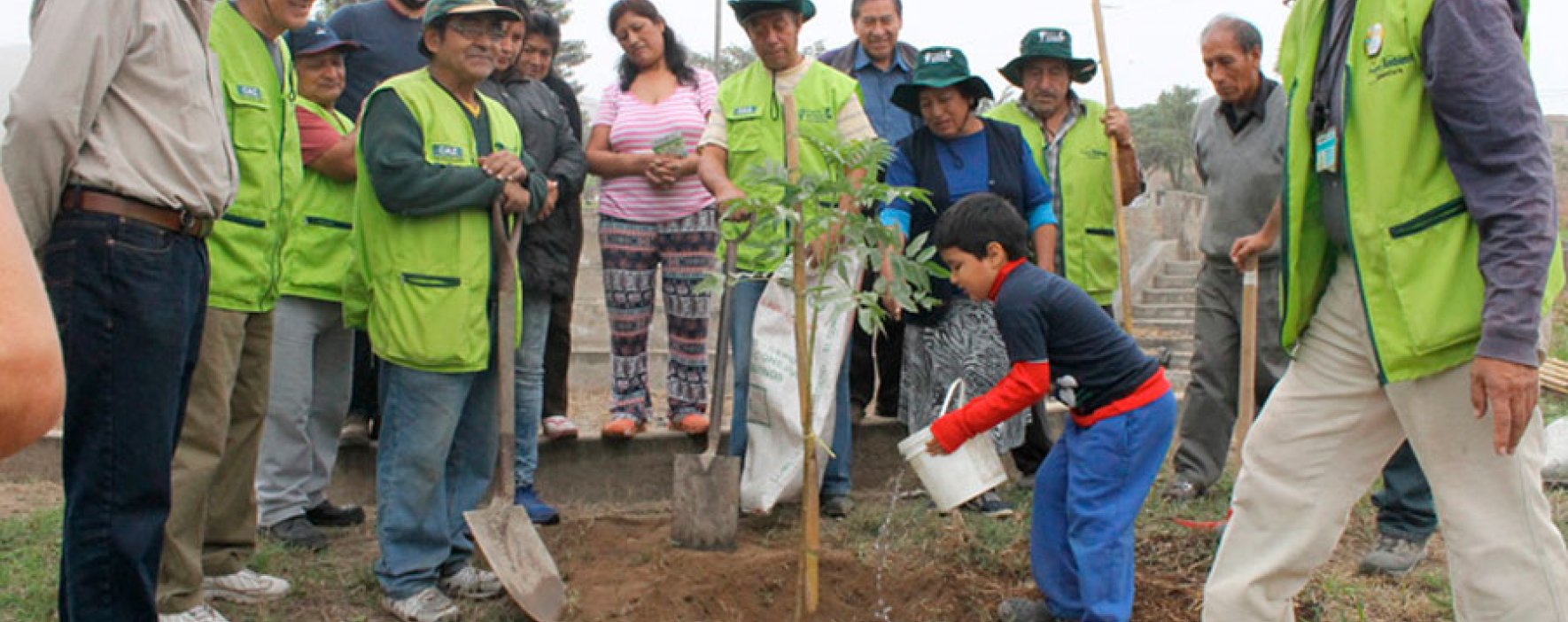 4 iniciativas que buscan mejorar el medio ambiente e involucrar a las comunidades