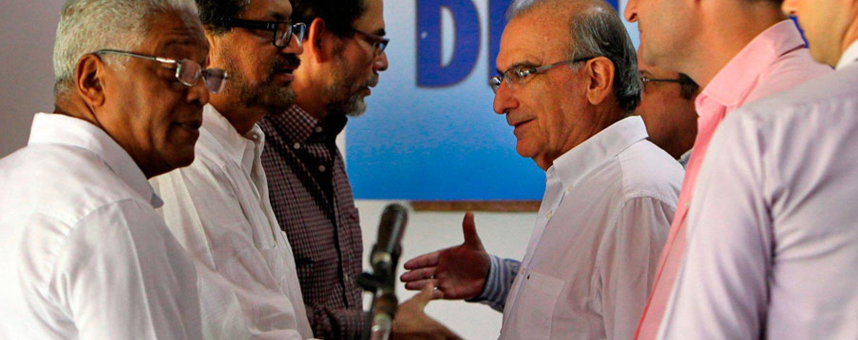 Analistas estiman que diálogos con las Farc irán hasta el 2018