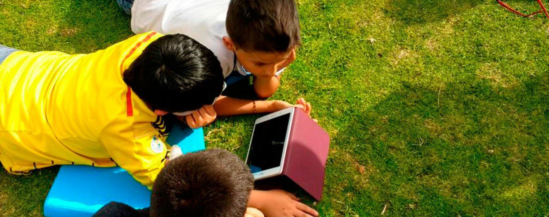 Aula nómada de Samsung en Compartir Suba