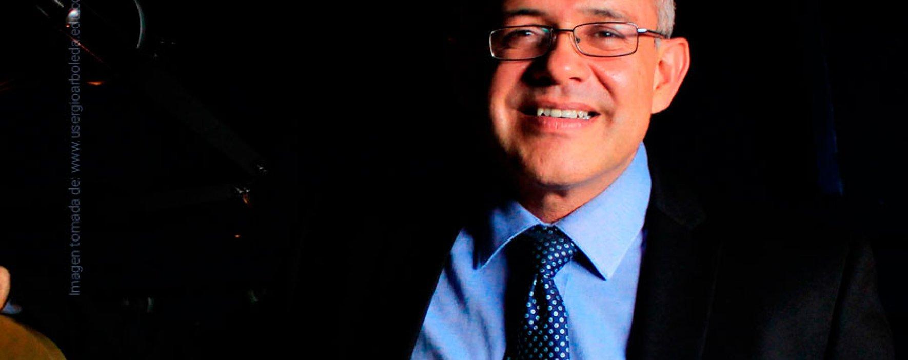 Charla con César Ocampo, investigador de la NASA