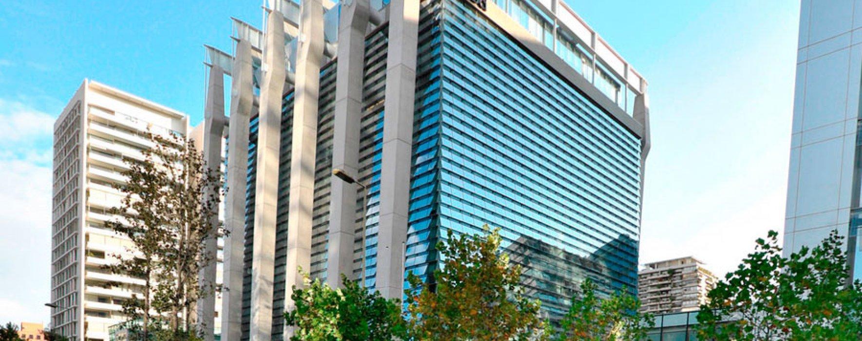 En Chile está el primer edificio casi flotante de Latinoamérica