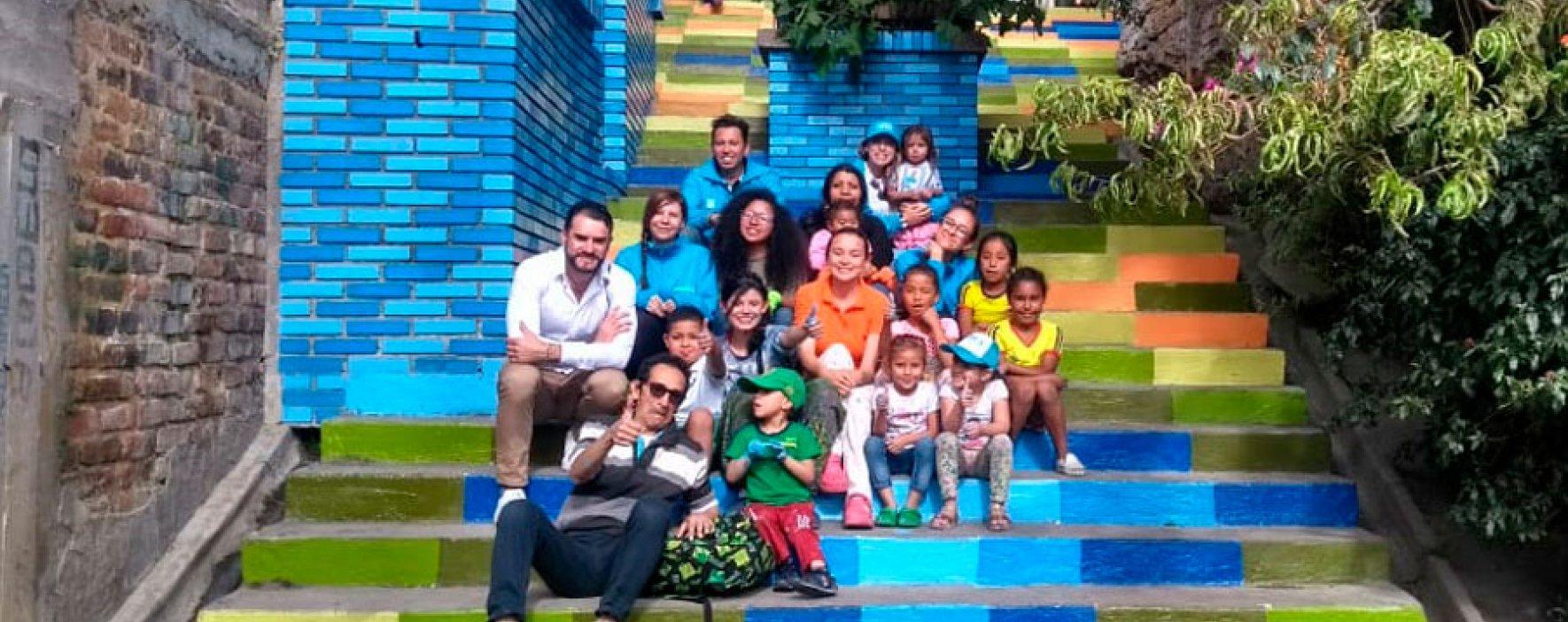 Jornada de voluntariado embelleció espacio público del barrio La Perla, en Bogotá