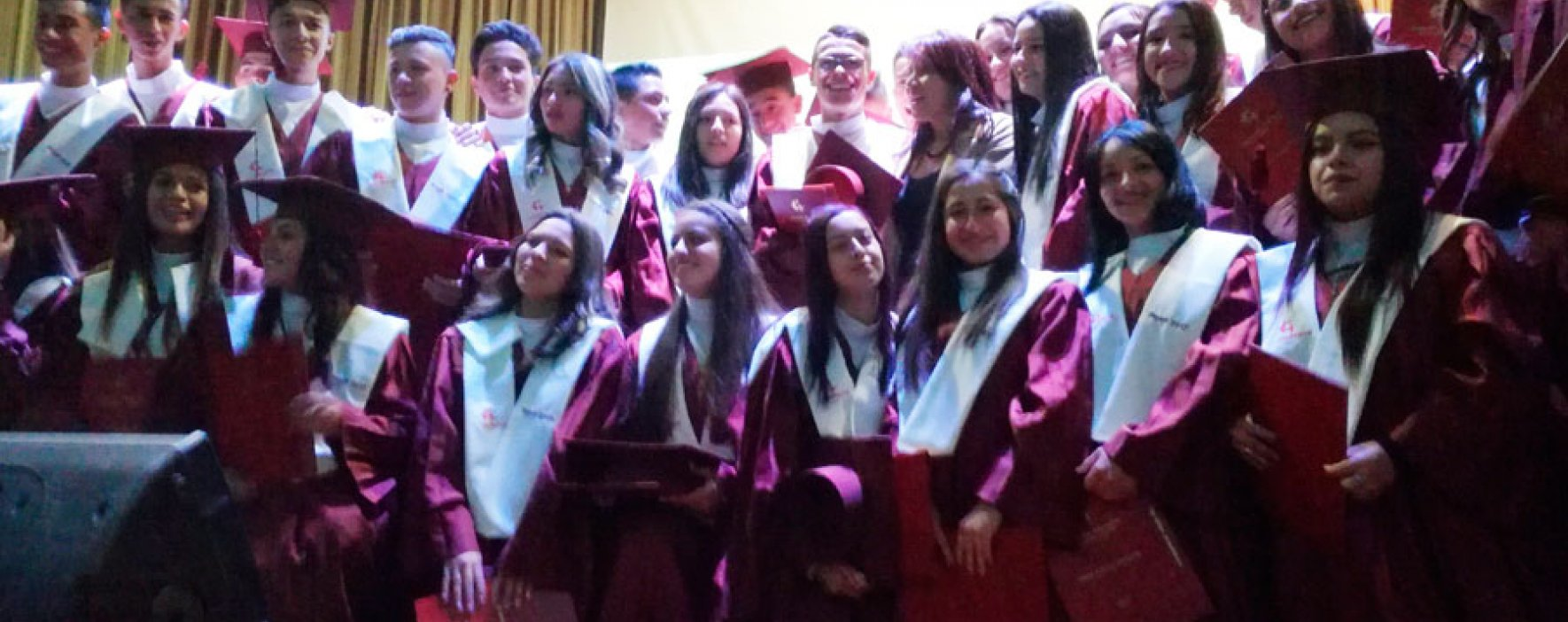 La Institución Educativa Compartir Suba presentó su promoción 2017: 154 graduados