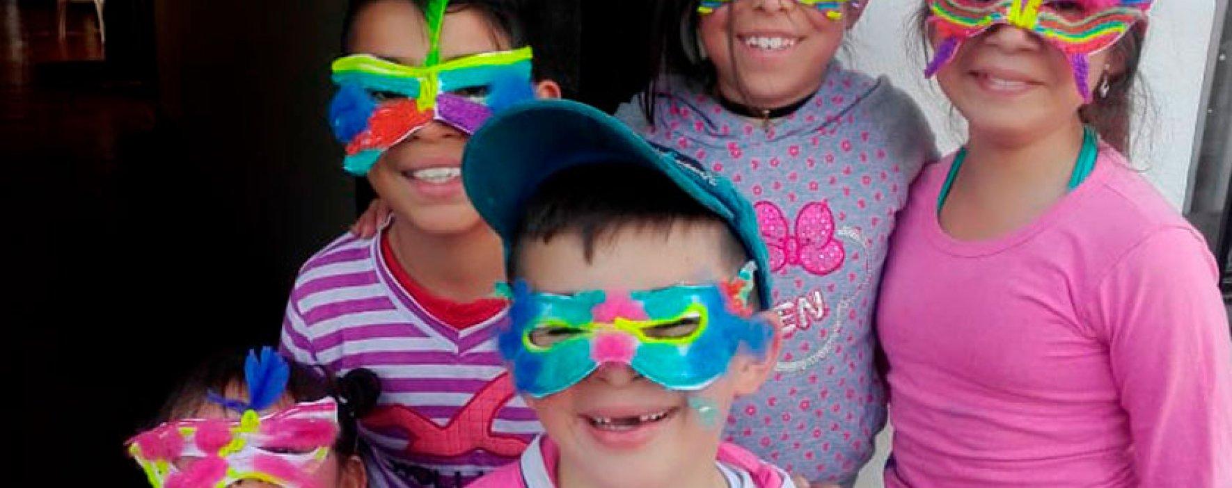Los niños de Cucunubá elaboraron sus antifaces