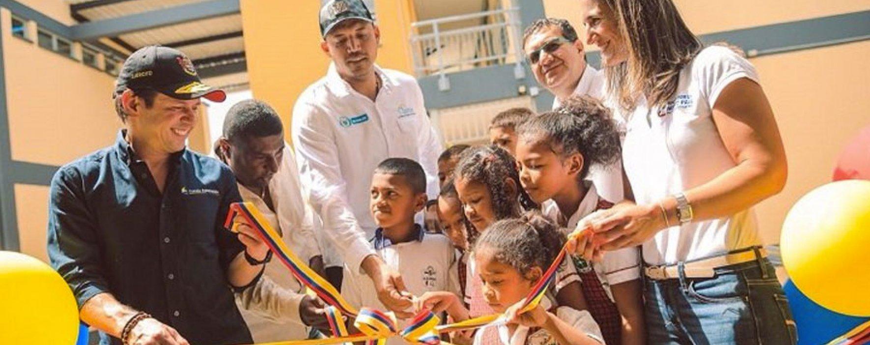Niños y jóvenes de Turbo estrenan colegio adaptado al cambio climático