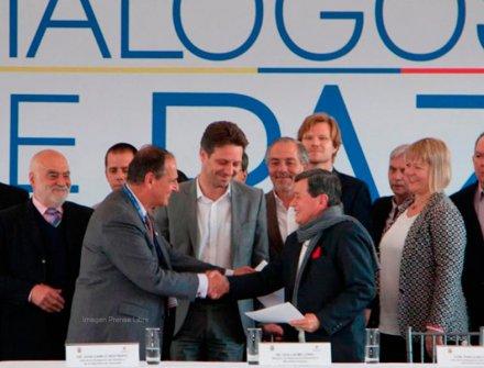 Acuerdo entre ELN y Farc, cese al fuego por la visita del Papa a Colombia