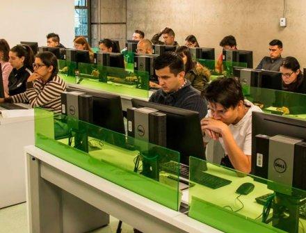 El Icfes aplicó por primera vez una Prueba de Estado totalmente por computador