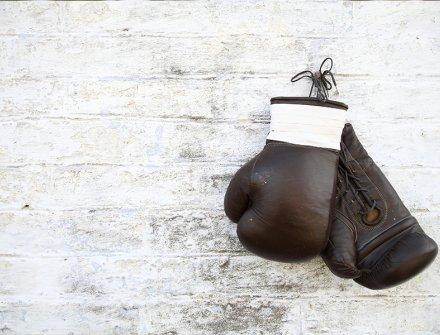 Gracias a iniciativa de la Fundación Golden Kids, niños pugilistas de escasos recursos, reciben dotaciones para que practiquen boxeo