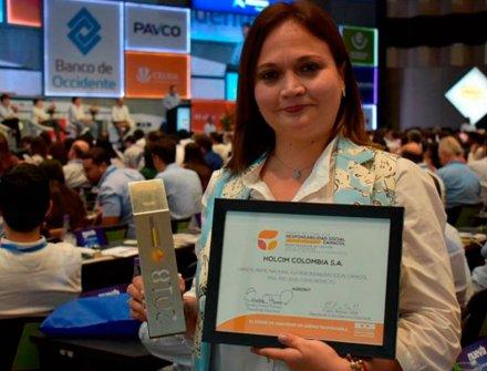 Holcim Colombia ganador en el Premio Nacional a la Responsabilidad Social Camacol