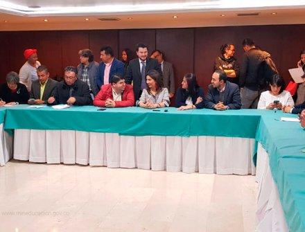 Se firman acuerdos significativos para la educación con el magisterio colombiano