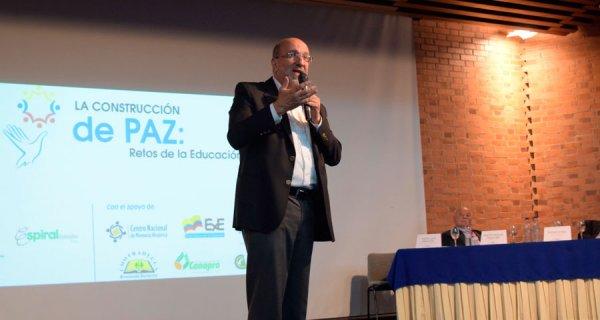 Así inició el Foro 'La Construcción de Paz: retos de la educación'