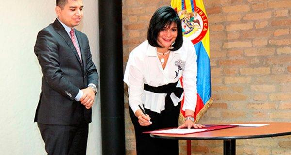 María Cristina Londoño, nueva presidenta del Fondo Nacional del Ahorro