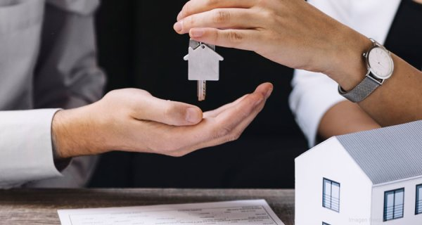 Más apoyo financiero para familias bogotanas que compren vivienda con Mi Casa Ya