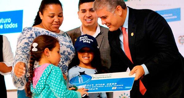 Primeras familias beneficiarias de Semillero de Propietarios