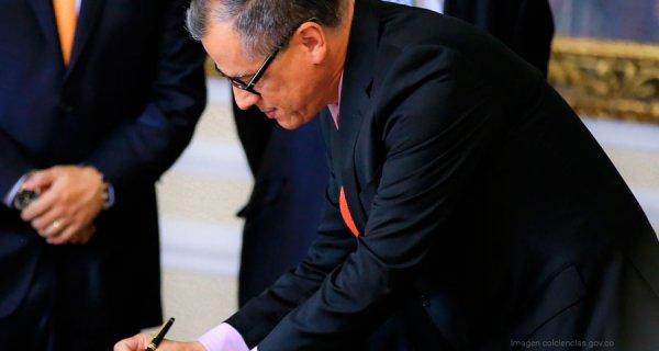 ¿Quién es Diego Fernando Hernández, el nuevo director de Colciencias?