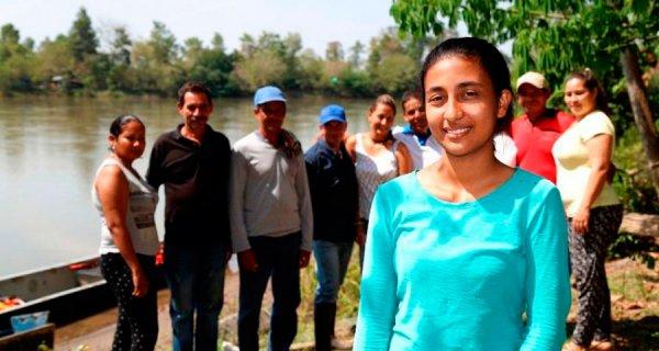 Santandereana es destacada por su labor con pescadores