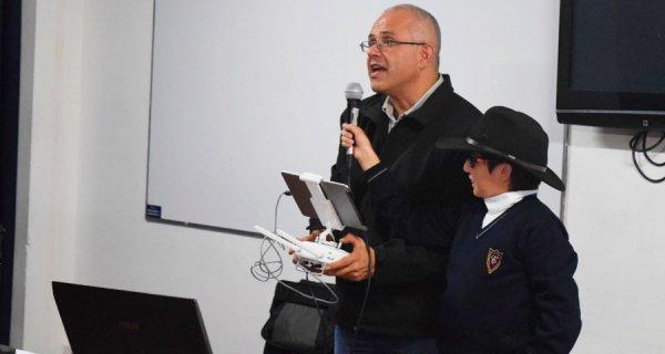 Transformando Colombia a través de la ciencia, la tecnología, la ingeniería y las matemáticas